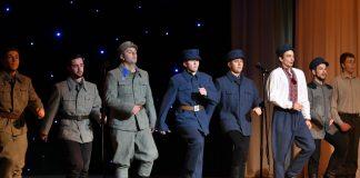В Івано-Франківську показали благодійну виставу, щоб допомогти важкохворому хлопцеві зібрати кошти на лікування