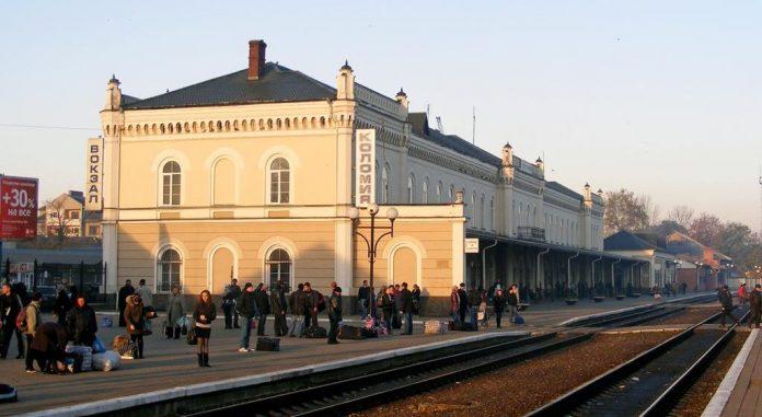 """Медпункт на вокзалі в Коломиї, про який повідомила Укрзалізниця, існує лише """"на папері"""""""