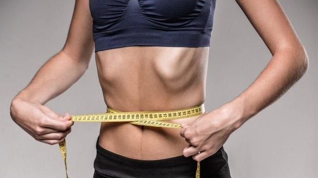 Схудла на 15 кілограм. На Прикарпатті молода дівчина померла від анорексії: відео