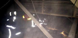 Франківським пожежникам вдалося врятувати із пожежі безхатченка, яку той влаштував на горищі по вулиці Гаркуші