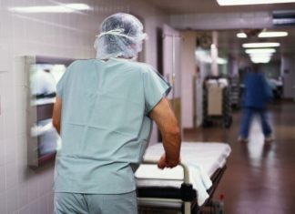 Ексрадник Президента Зеленського розповів про хаос, який твориться в прикарпатській лікарні під час пандемії вірусу