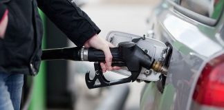 Закриття заправок і підвищення цін на газ та бензин – експерт зробив невтішний прогноз