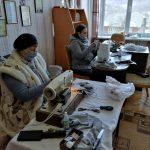У Спаській ОТГ, що на Прикарпатті, мешканці намагаються самостійно забезпечитись засобами захисту від смертоносного вірусу: фото