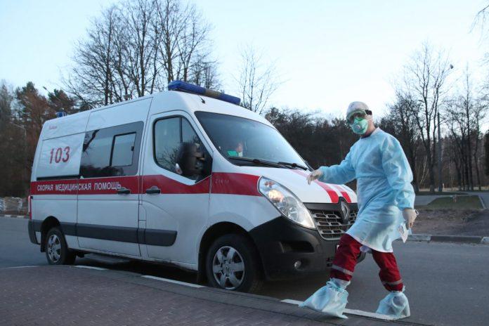 Упродовж минулої доби в сусідній області інфікувалося четверо медиків