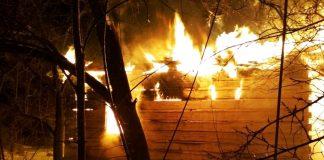 Вогонь знищив прикарпатському ґазді обійстя і автомобіль