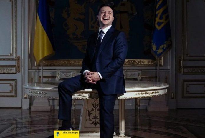 Зеленський про війну на Донбасі: Там пострілюють. На жаль, гинуть. Буває