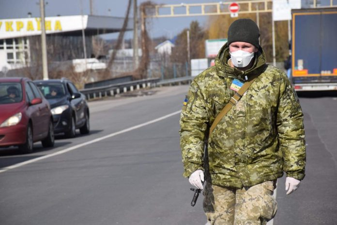 Україна закривається на карантин: пункти пропуску, що працюватимуть на кордоні та винятки, які діятимуть