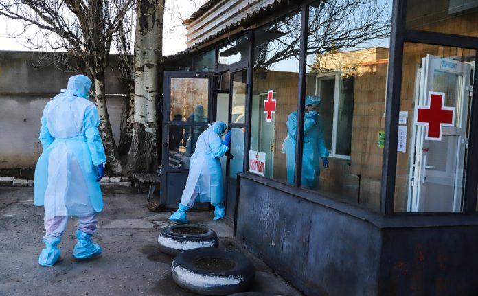 Сьогодні на Прикарпатті, із підозрою на китайський вірус, померла 60-річна жінка
