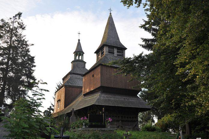 Півтора десятка старовинних церков на Франківщині включать у транскордонний маршрут