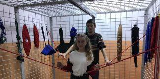 На Рогатинщині спеціальна школа за кошти Болгарської допомоги закупила універсальну кабіну для підвісної терапії та інтерактивну дошку. Фото