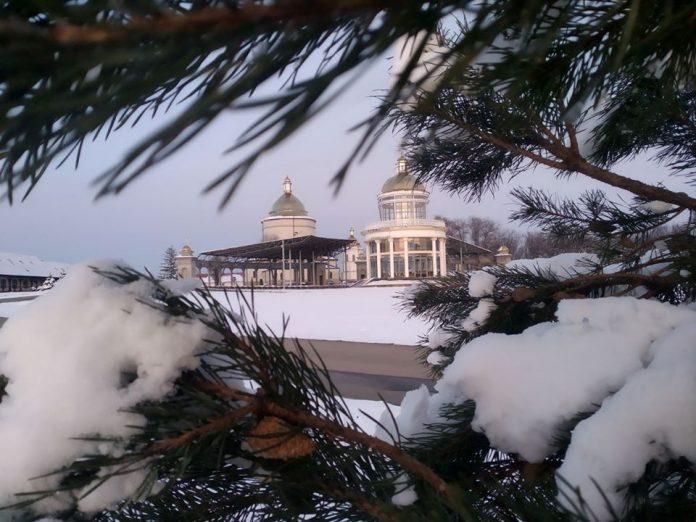В мережу виклали фото вкутаного снігом Гошівського монастиря