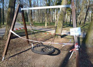 У Франківському парку наполегливо просять дотримуватися карантинних заходів