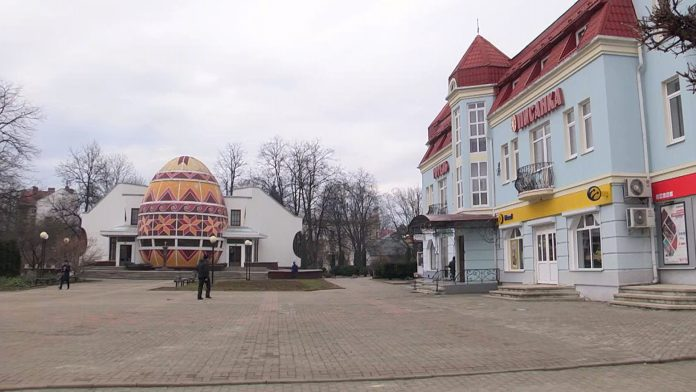 У Коломиї штрафують підприємців, які порушують карантин: відео