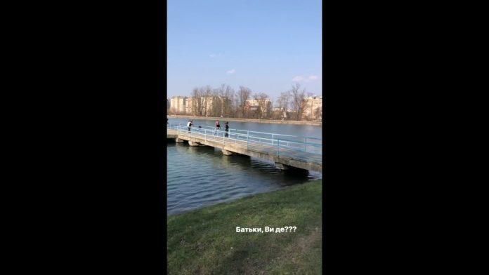 На міському озері сьогодні відкривали купальний сезон: відеофакт