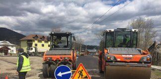 У горах Прикарпаття активно триває ремонт автошляхів державного значення