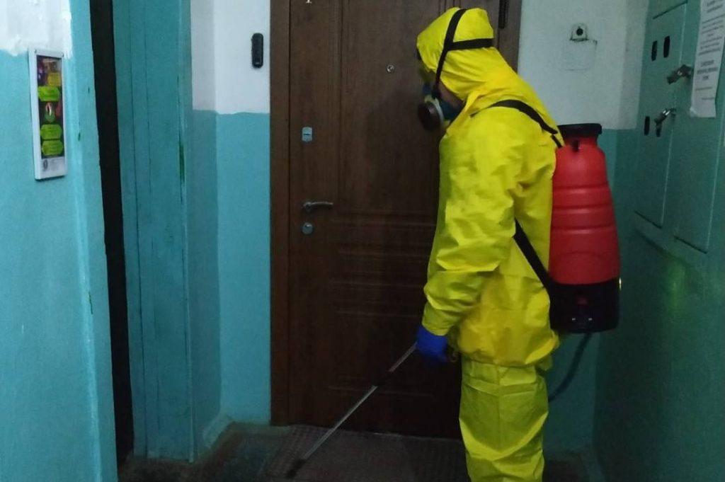 Прикарпатські рятувальники продовжують активну дезінфекцію приміщень та територій