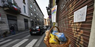 Італійська мафія допомагає продуктами людям, які через карантин залишилися без засобів до існування