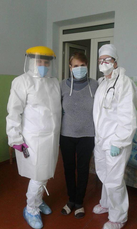 З лікарні виписали першу одужавшу від коронавірусу прикарпатку
