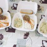 """У Франківську """"Карітас"""" роздає нужденним щодня декілька сотень гарячих обідів: фото"""