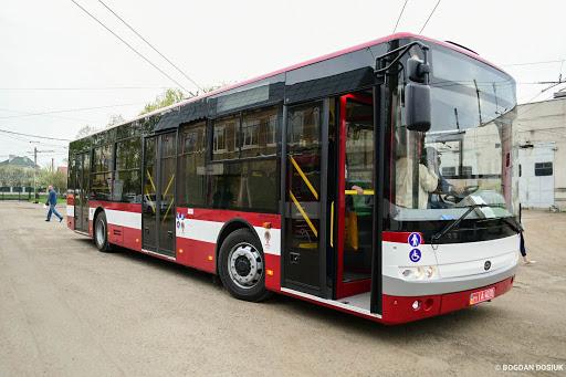Незабаром до Івано-Франківська мають доставити ще 10 великогабаритних автобусів