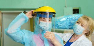 Енергетики придбали для районних лікарень області респіратори, захисні костюми і комбінезони