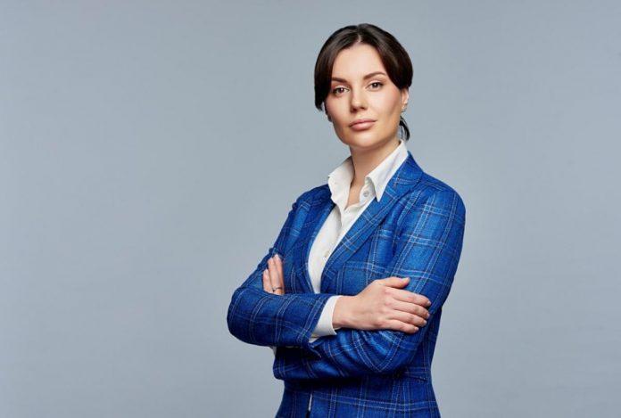 Сестру скандального прикарпатського олігарха Олега Бахматюка не заарештували, бо її не розшукує Інтерпол – ВАКС