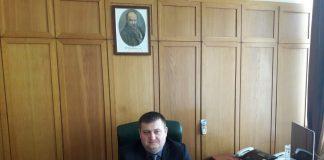 Декілька десятків народних депутатів звернулися до очільника уряду із вимогою звільнити високопоставленого поліцейського з Прикарпаття