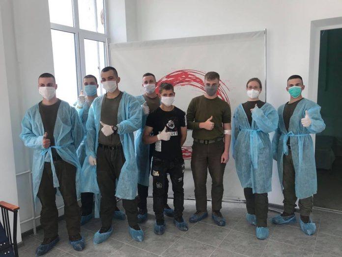 Прикарпатські військовослужбовці стали донорами крові: фоторепортаж