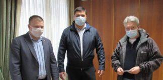 Надвірнянська ЦРЛ отримала гуманітарну допомогу від української діаспори в Канаді: фотофакт