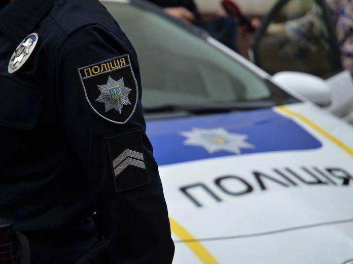 Прикарпатський поліцейський вистрілив у ногу агресивному грабіжнику