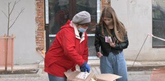 До Великодня прикарпатці замовили понад 250 посилок випічки: відео