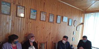 Делегація чиновників усіх рівнів переконалася насправді, що жінка з Розтоків у Косівському районі, не має жодних засобів для існування