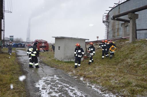 Окрім того, що ахметівська ТЕС у місті Бурштин звільнила 63 пожежників не виплативши їм зарплатню, вона ще й блокує суди по стягненню заборгованості - нардеп Фріс