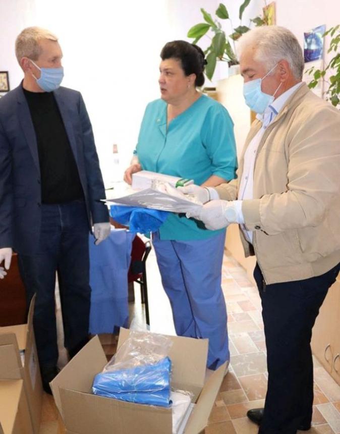Обласний центр паліативної допомоги отримав засоби індивідуального захисту: фото