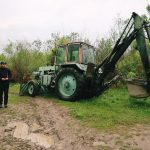 Поліція розслідує незаконне перевезення гравію і деревини на Прикарпатті: фотофакт