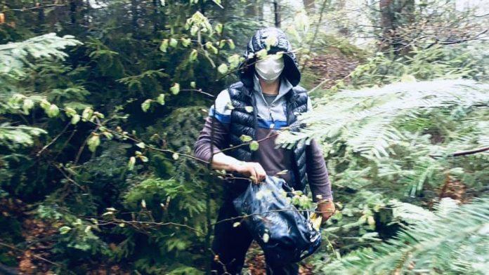 Зухвале пограбування: на Прикарпатті чоловік в масці й на мотоциклі