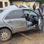 На Коломийщині внаслідок ДТП авто злетіло з дороги