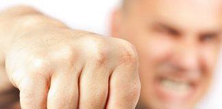 На Прикарпатті виникла бійка між активістами та депутатом