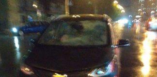 В Івано-Франківську п'яний водій збив пішохода та намагався утекти із місця пригоди - його затримали випадкові перехожі