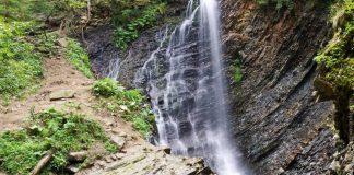 Подорож у Карпати: Женецький Гук – водоспад, який варто відвідати кожному