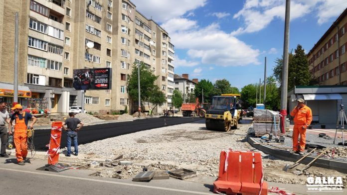 В Івано-Франківську тривають роботи по з'єднанню двох бульварів