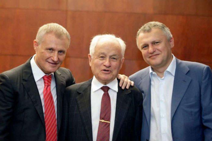 100-річний батько подарував одіозному народному депутату 25 млн грн