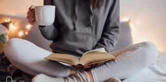 У Франківську новий флеш-моб - місцеві письменники читають онлайн уривки власних книг