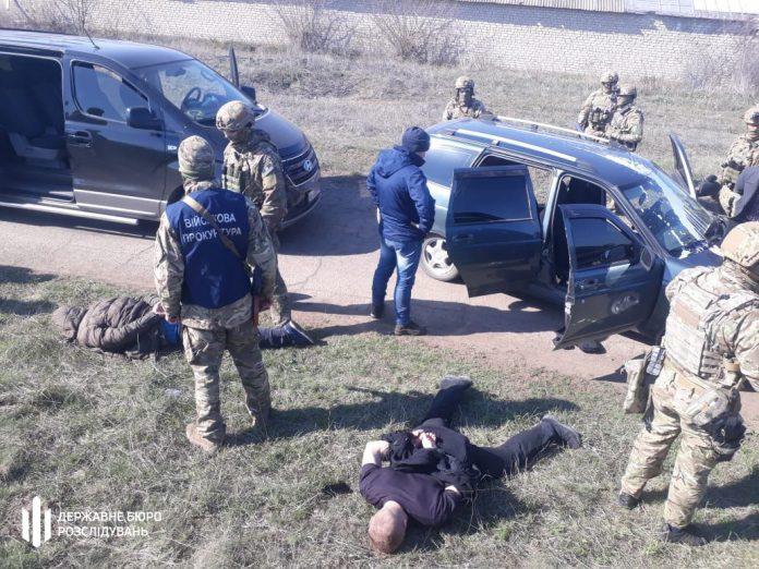 Прикарпатські правоохоронці викрили двох громадян України, які фінансували терористів у Луганській області