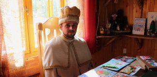 Що робить Святий Миколай під час карантину? Репортаж з будинку чудотворця