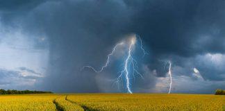 На Франківщину насувається гроза зі шквалистим вітром та градом