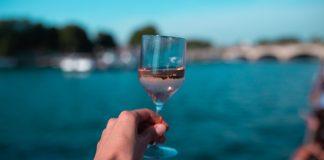 Франківські рятувальники розігнали компанію, яка пиячила на березі міського озера