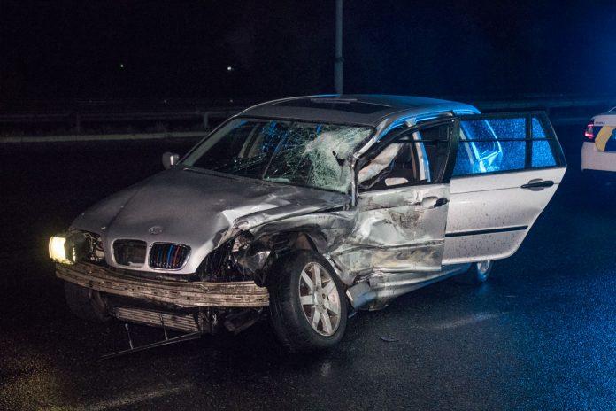 На Прикарпатті BMW протаранило ланос - двоє осіб отримали травми