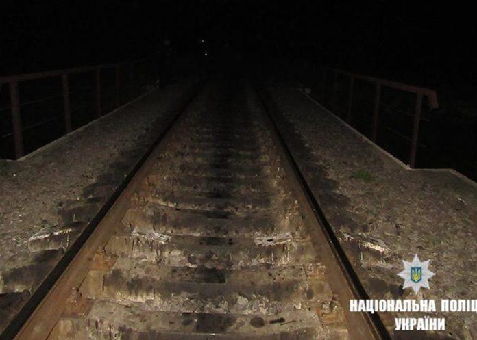 На Прикарпатті чоловік потрапив під потяг - зараз за його життя борються медики