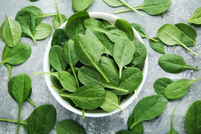 Зелений король: корисні властивості шпинату